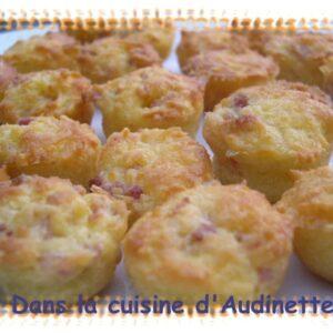 Bouchons aux lardons, parmesan et raclette
