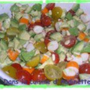Tartare d'avocat aux tomates et surimi