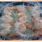 Brochettes de crevettes en robe de vermicelles