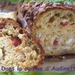 Cake aux poivrons, thon et feta
