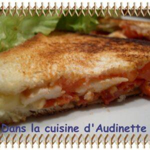 Croque-monsieur poulet, chorizo, gouda et tomate