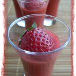 Soupe de fraises et rhubarbe en verrine
