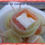 Mini roulés au concombre, saumon fumé et feta