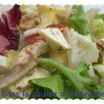 Salade d'endives «bressane» au poulet, bleu, noix, chorizo…