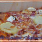 Pizza pommes de terre, lardons et feta