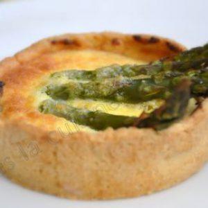 Pea and leek tart with glazed asparagus – Tarte pois, poireau, asperge