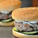 Hamburgers d'agneau à la courgette et mozarella