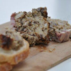Terrine de lapin à la moutarde et aux pruneaux selon Benoit Molin