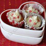 Mini cupcakes tout doux et avec des coeurs pour la St Valentin