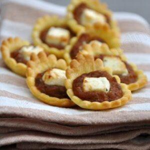Mini tartelette à la crème de caponata et feta