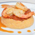Crevettes sautées, concassé de tomates, purée de patate douce… le tout relevé; au Tabasco