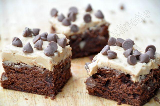 Brownies aux noix de pecan, glaçage au beurre de cacahuètes