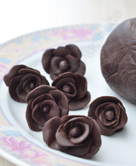 Ici, je n'ai fait que des roses, mais on peut imaginer toute sortes de formes ou de figures :-)
