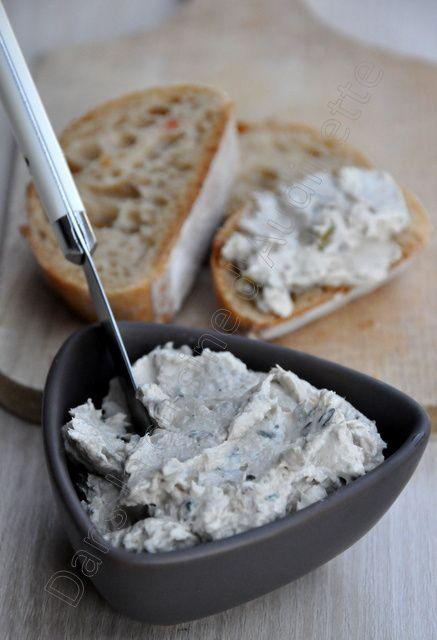 Tartinade aux anchois, olives et thym