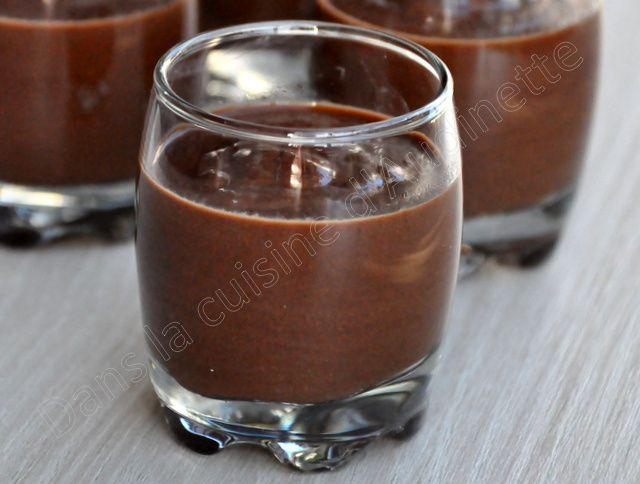 Chocolate pot (petites verrines de crèmes très chocolat)