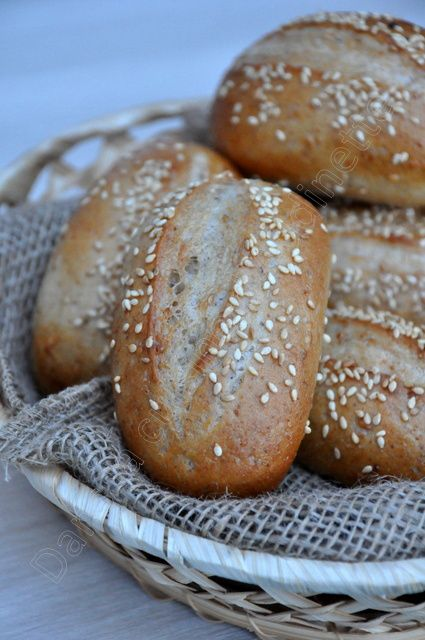 Petits pains semi complet au sésame