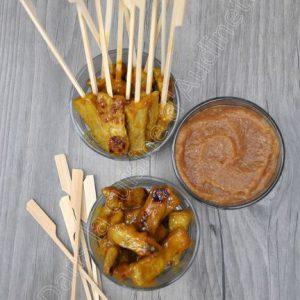 Brochettes de porc aux épices, sauce à la pomme Tentation