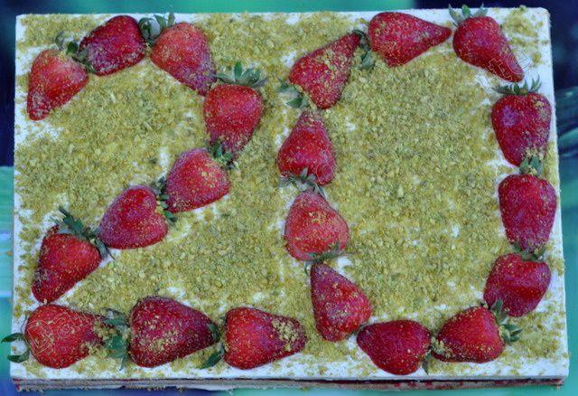 Entremet étagé pistache et fraise