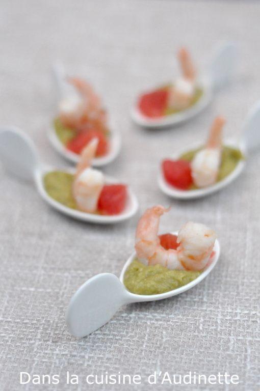 Cuillère apéro : crevette, guacamole, pamplemousse rose