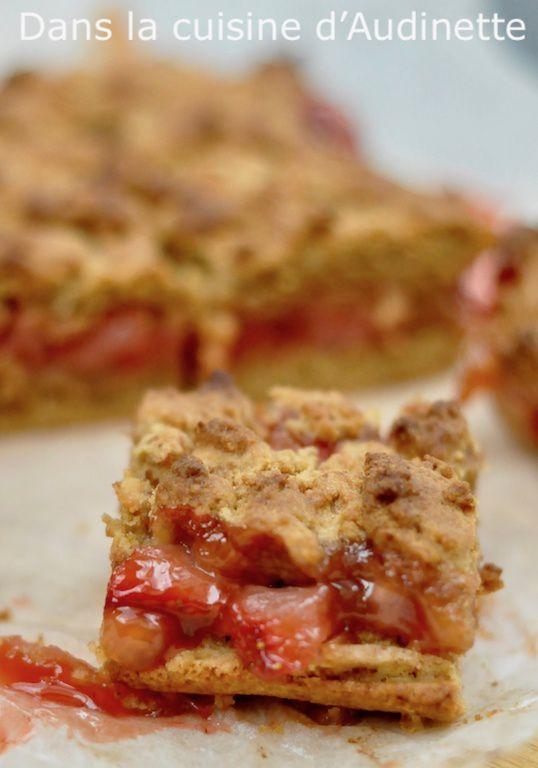 Gâteau crumble aux fraises (Strawberry crumb bars)