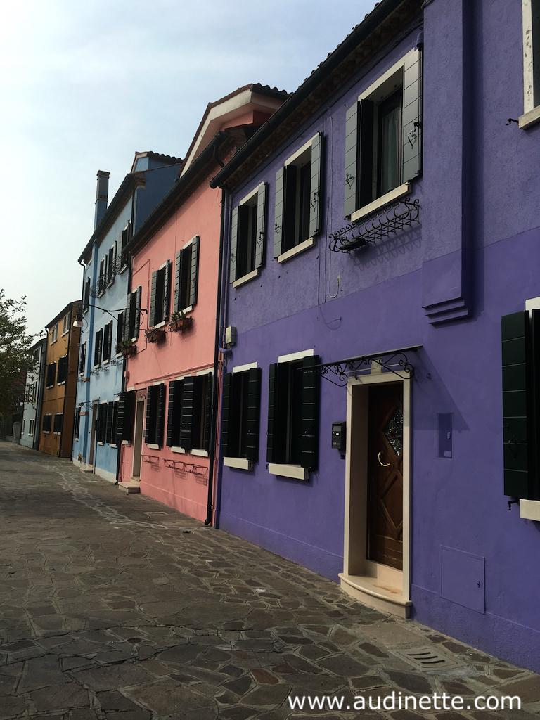 maisons en couleur à Burano venise