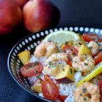 Salade de riz aux crevettes et aux nectarines